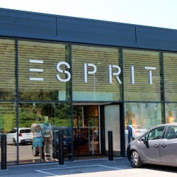 Photo de la façade du magasin Esprit
