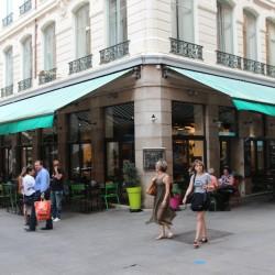 Photo du local d'angle de Léon de B?