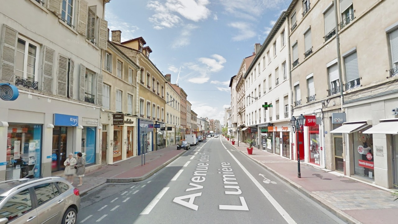 lyon 8 avenue des fr res lumi re local commercial a louer emplacia. Black Bedroom Furniture Sets. Home Design Ideas